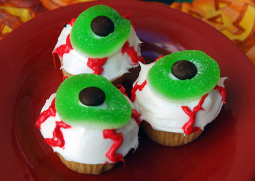 halloween cupcake decorating eyeballs - Halloween Decorations Cupcakes