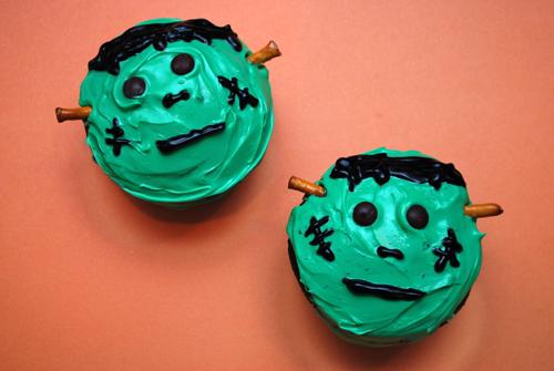 halloween cupcake frankenstein cupcakes by familyspicecom - Easy Halloween Cupcake Decorating Ideas