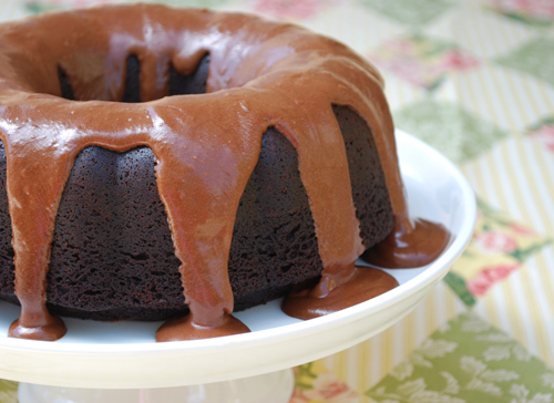 Root Beer Float Bundt Cake by FamilySpice.com