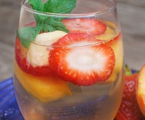 Strawberry Peach Sangria by FamilySpice.com