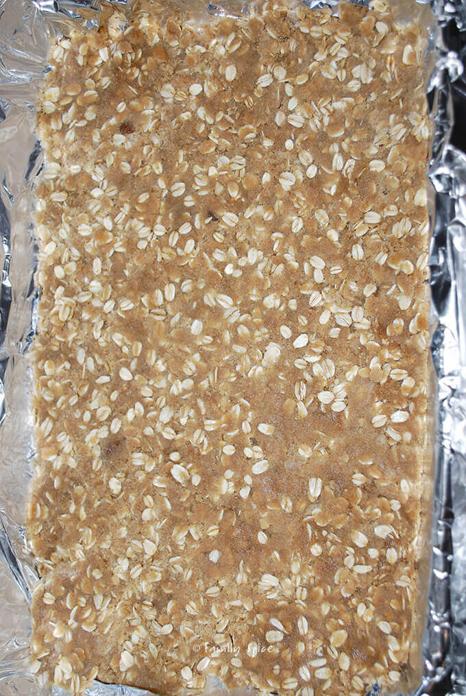 Ready to bake crust for Oatmeal Fudge Bar by FamilySpice.com