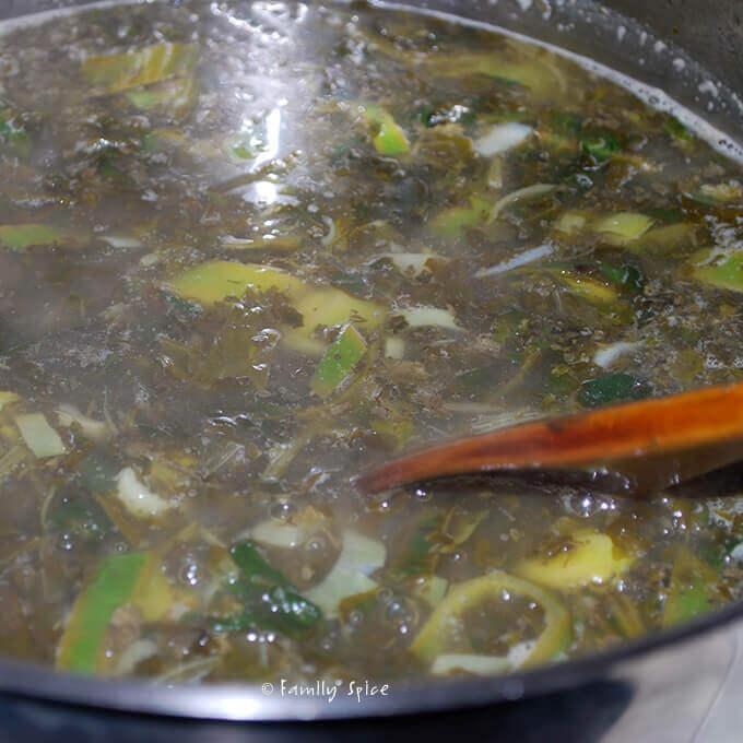 Making Persian Pomegranate Soup (Ash-e Anar) by FamilySpice.com