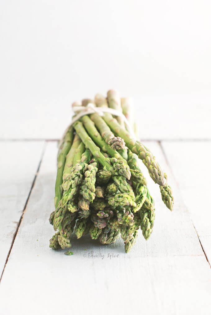 Fresh asparagus bundle by FamilySpice.com