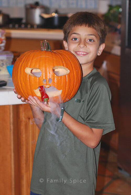 Budget Friendly Pumpkin Carving Tips by FamilySpice.com