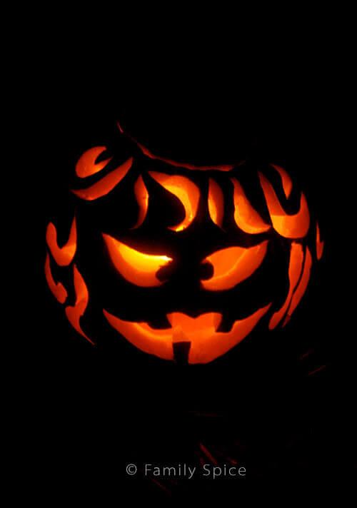 Budget Friendly Pumpkin Carving Tips by FamilySpice.com