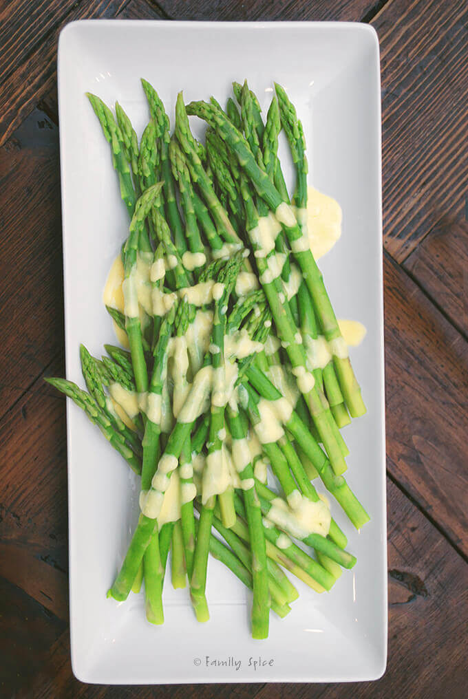 Asparagus with Hollandaise Sauce by FamilySpice.com