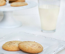 Egg Nog Sugar Cookies by FamilySpice.com