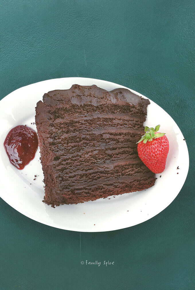 Chocolate Cake from Toomey's Whoa Nellie Deli in Tioga Pass, Yosemite Valley by Family Spice