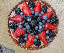 Nutella & Berry Pie with Pretzel Crust by FamilySpice.com