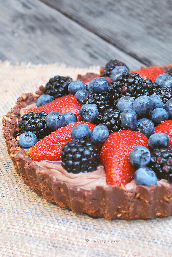 No Bake Nutella Berry Pie with Pretzel Crust by FamilySpice.com