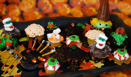 Assorted Halloween Cupcakes by FamilySpice.com