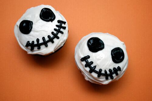 Jack Skeleton Cupcakes by FamilySpice.com