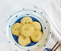 Chinese Almond Cookies by FamilySpice.com