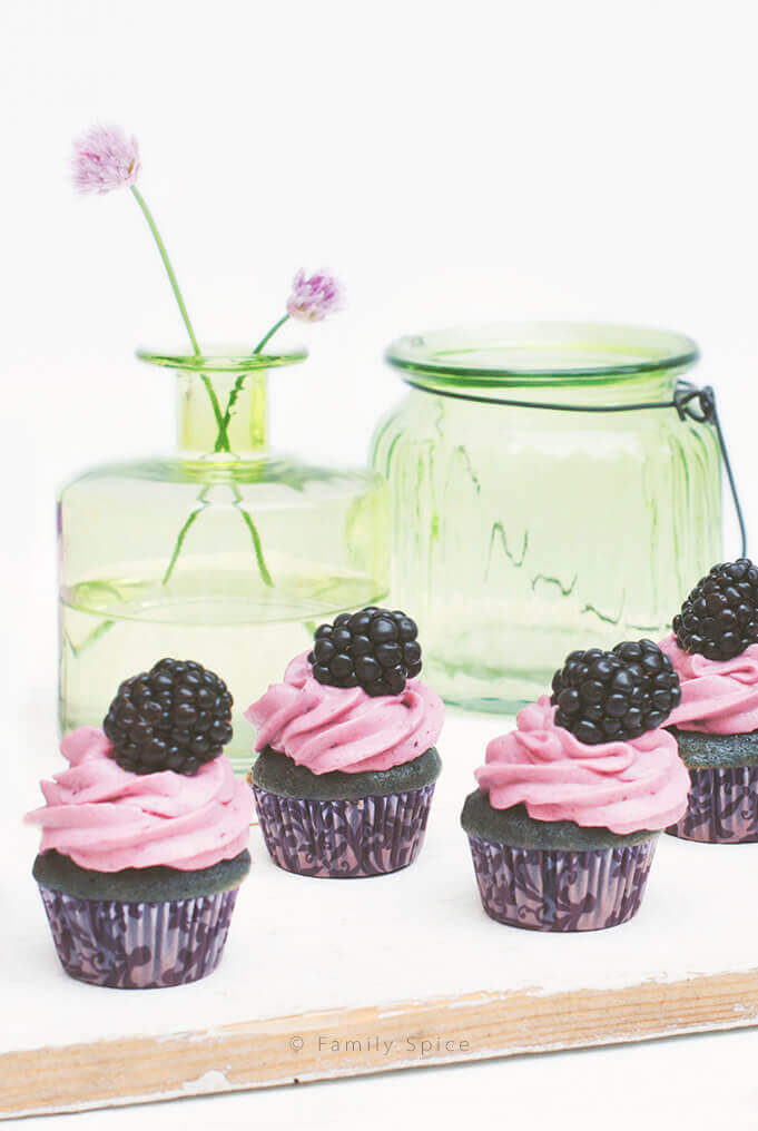 Baking with Honey: Blackberry and Honey Cupcakes. by FamilySpice.com
