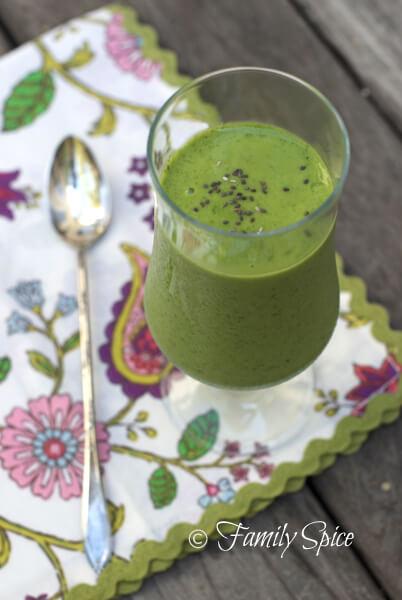 Mango-Spinach Green Smoothie