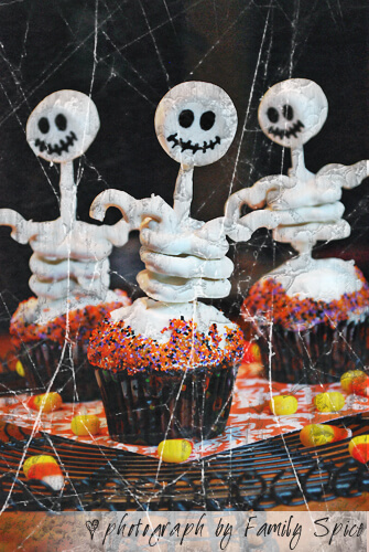 Easy Halloween Recipes For Your Block Party: Skeleton Cupcakes