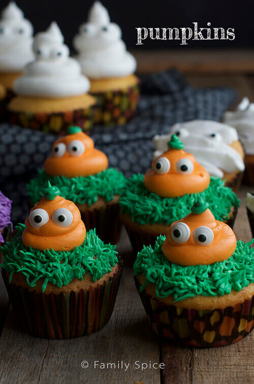 Cute Pumpkin Halloween Cupcakes by FamilySpice.com