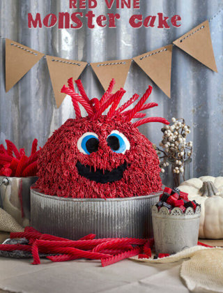 How to Make a Red Vine Monster Cake | #RedVines Giveaway