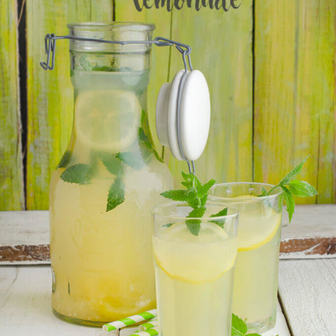 Honey Lemonade with Mint by FamilySpice.com