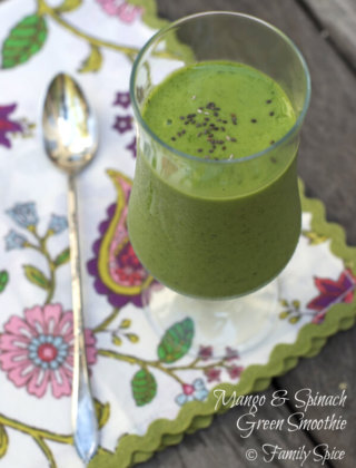 Mango-Spinach Green Smoothie