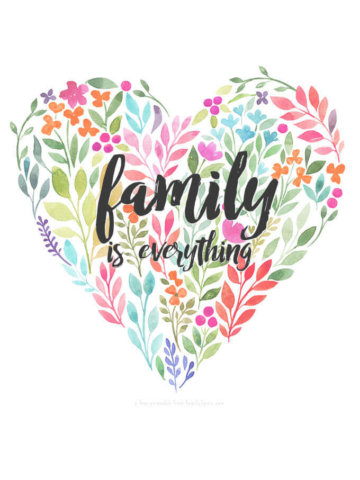 Free 'Family is Everything' Flower Heart Printable by FamilySpice.com