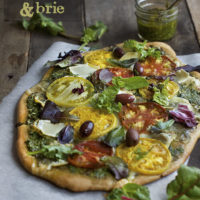 Whole Wheat Pizza with Pesto, Tomatoes and Brie