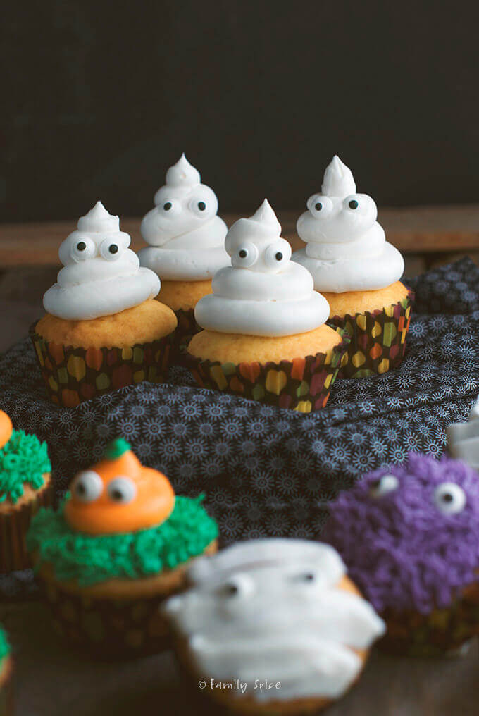 Halloween Ghost Cupcakes by FamilySpice.com