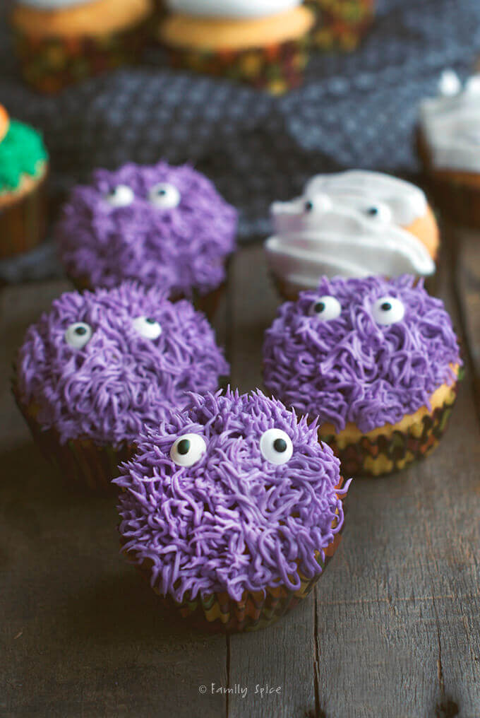 Halloween Monster Cupcakes by FamilySpice.com