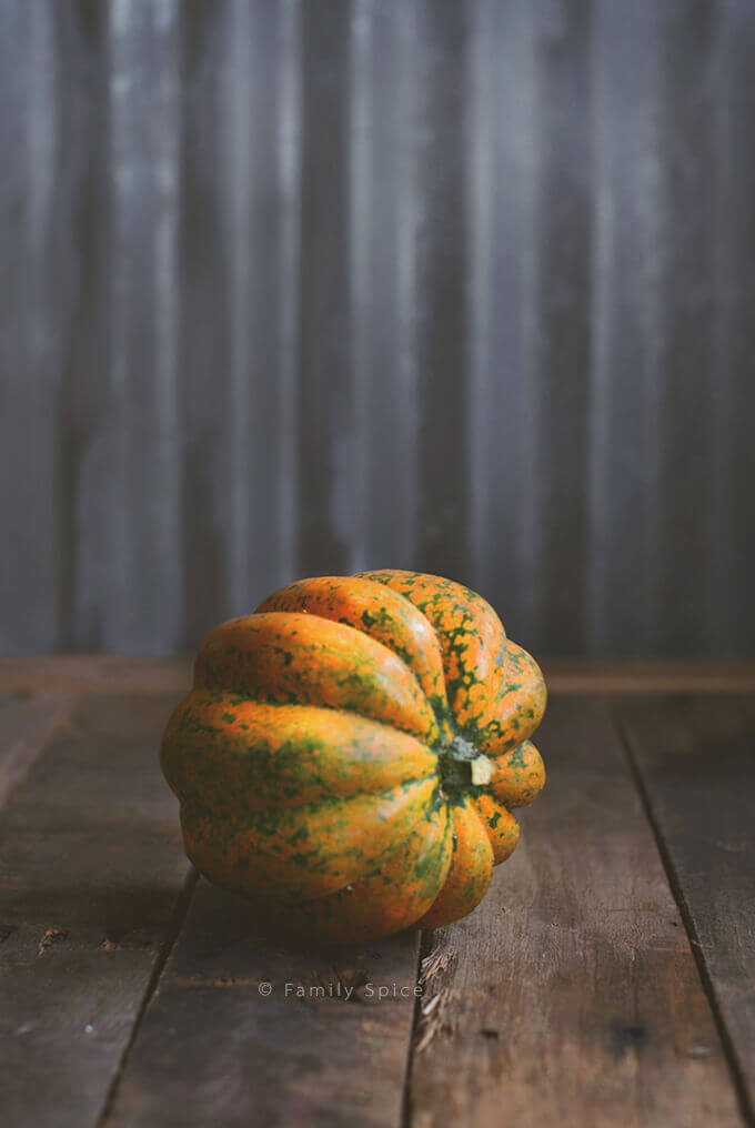 Orange acorn squash by FamilySpice.com