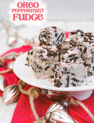 Oreo Peppermint Fudge using only 4-ingredients by FamilySpice.com