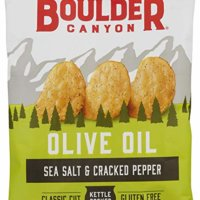 Boulder Canyon Kettle Cooked Potato Chips, Sea Salt & Cracked Pepper, 6 oz. Bag, 12 Count – Gluten Free, Crunchy Chips Cooked in 100% Olive Oil, Great for Lunches or Snacking on the Go