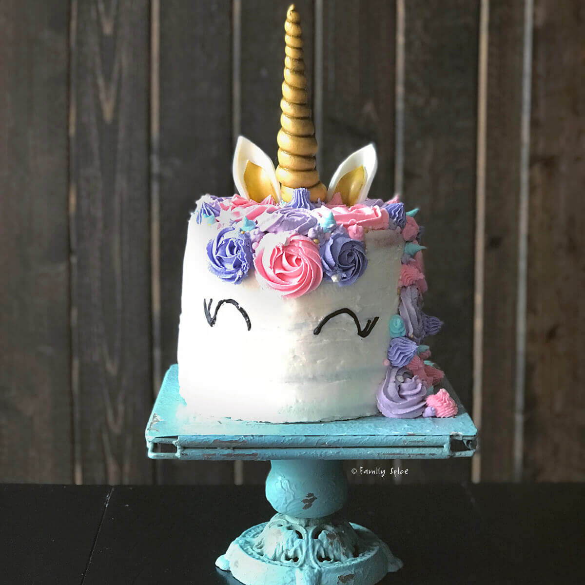 How to make a rainbow unicorn cake by FamilySpice.com