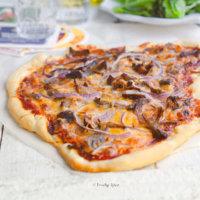Leftover Pulled Pork Pizza